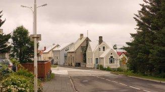 A residential street in Akureyri.
